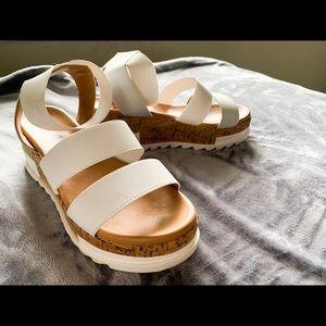 WHITE Platform sandals 🧡
